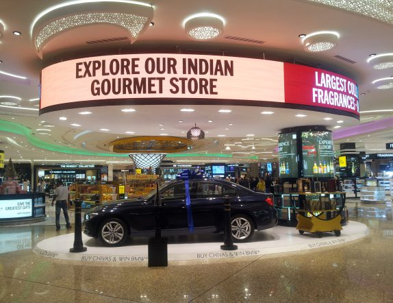 Cylindrical Screen customised to display offers at Mumbai T2 International Duty Free