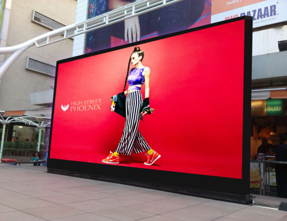 Outdoor LED Videowall in Courtyard for High street Phoenix